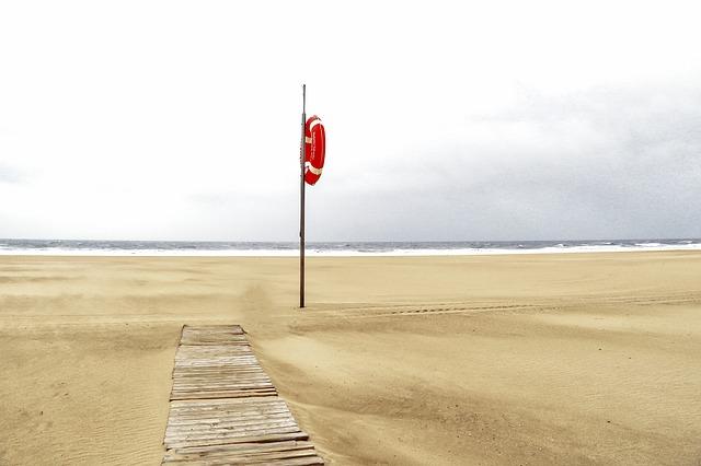 Bezpieczeństwo na plaży w Jarosławcu – podsumowanie sezonu 2017 | Domki Jarosławiec