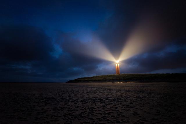 Remont latarni morskiej w Jarosławcu: w wakacje latarnia będzie dostępna dla turystów